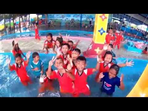 Liburan ke kolam renang banyu biru kemplong wiradesa bentuk penghargaan untuk juara tergiat 1 putri