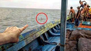 समुद्र के बीच नजर आया ऐसा जिव जिसे देखकर चौंक उठेंगे आप || Unexplained things Found In The Ocean