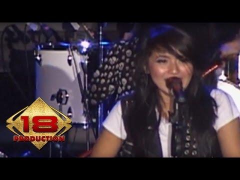 Kotak - Tendangan Dari Langit   (Live Konser Cirebon 14 November 2013)