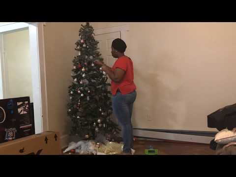 Extreme Cleaning :Taking down Xmas decor and cleaning my living room