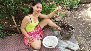 LifeAwesome: Village food | Country food | Good Time..! Eating Roast Fishes behind My Home