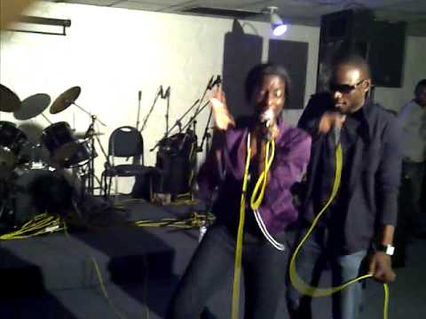 TITI LOKEI FEAT SLV - BUSS MY BRAIN (LIVE PERFORMANCE)