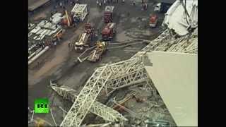 PRIMERAS IMÁGENES: Una grúa derrumba parte de un estadio del Mundial de Fútbol 2014 en Brasil