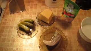 Мои любимые салаты - салат из отварного языка, сыра и маринованного огурца.
