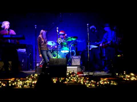 Gil's Party 12-23-12 at The Quarter Note Bar with John Wallerich on guitar #10 Videos De Viajes