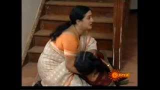 Amrita Huge Cleavage Show