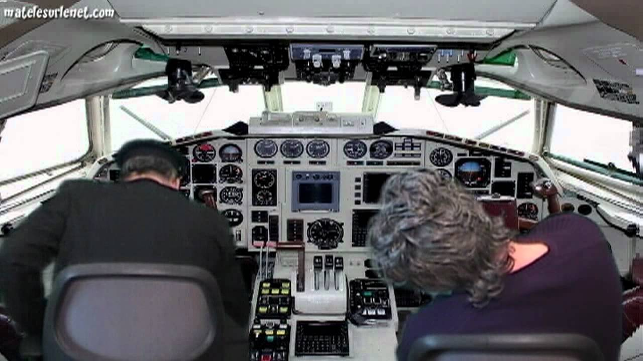 Le pilote de l 39 avion se r veille et youtube for Avion jetairfly interieur