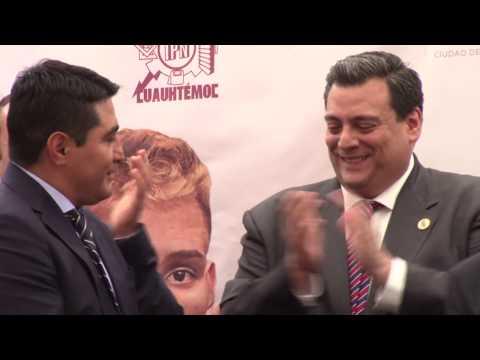 """Erik """"Terrible"""" Morales recibe homenaje de Mauricio Sulaimán presidente del WBC"""