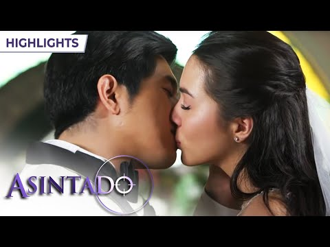 Download Asintado: Ana and Gael's first kiss as a married couple | EP 147