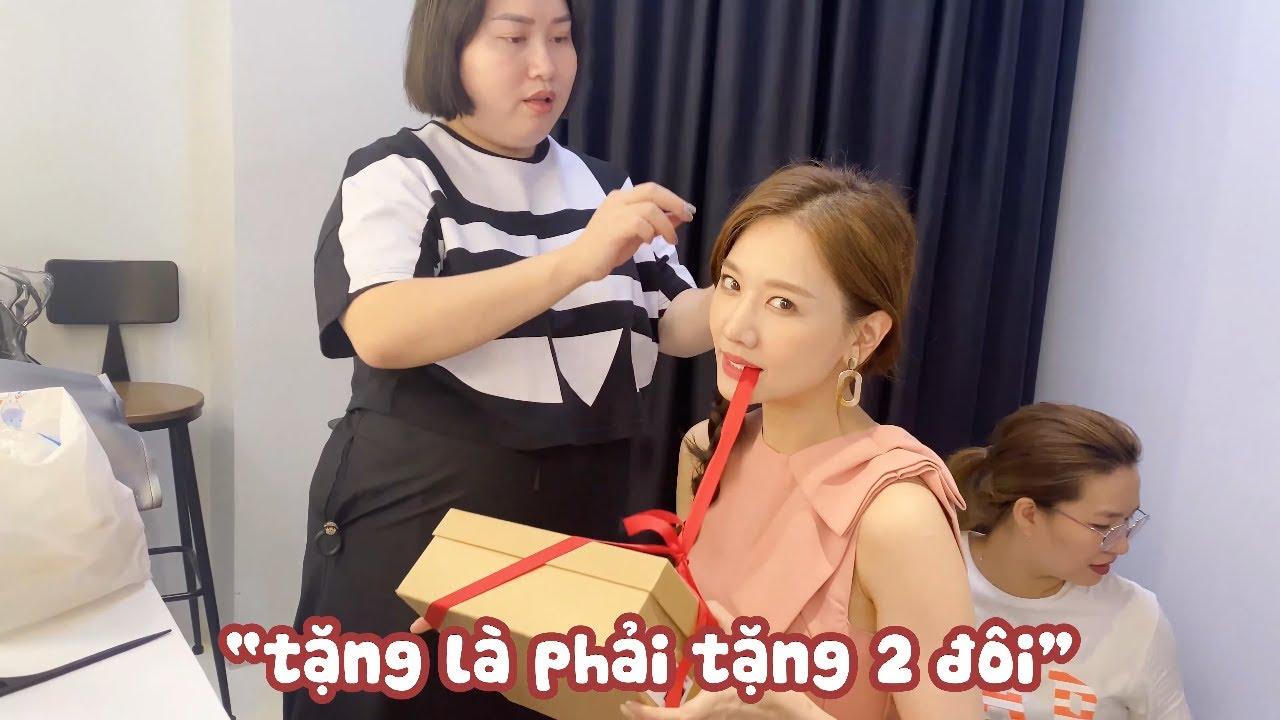 """(한) Hari đập hộp quà sinh nhật lần 2 của chị quản lý và phản ứng """"hoang mang"""" của Trấn Thành 두 번째 선물"""