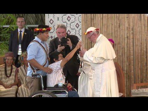 Papa defiende el  medio ambiente y pueblos originarios en Perú