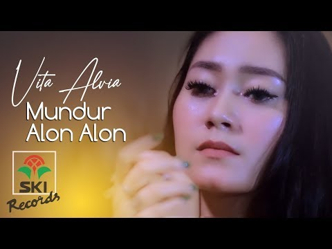 Vita Alvia - Mundur Alon Alon (Official Music Video)