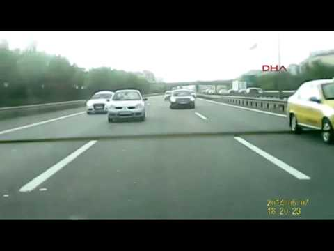 D100 de makas atarken kaza Audi