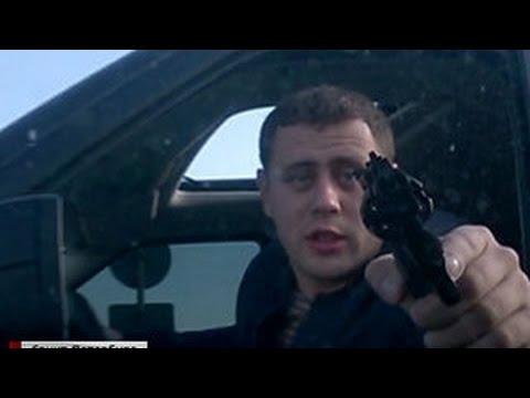 Агрессивного водителя с пистолетом разыскивают в Петербурге