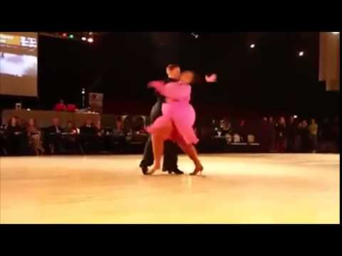 """Tròn mắt với điệu nhảy của cặp khiêu vũ """"ngàn cân"""" hot nhất"""