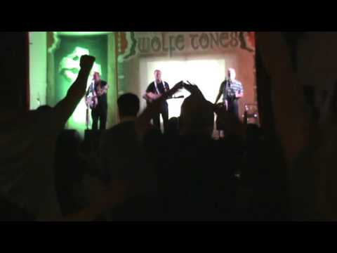 wolfetones big strong man st barts hall coatbridge 9-11-15