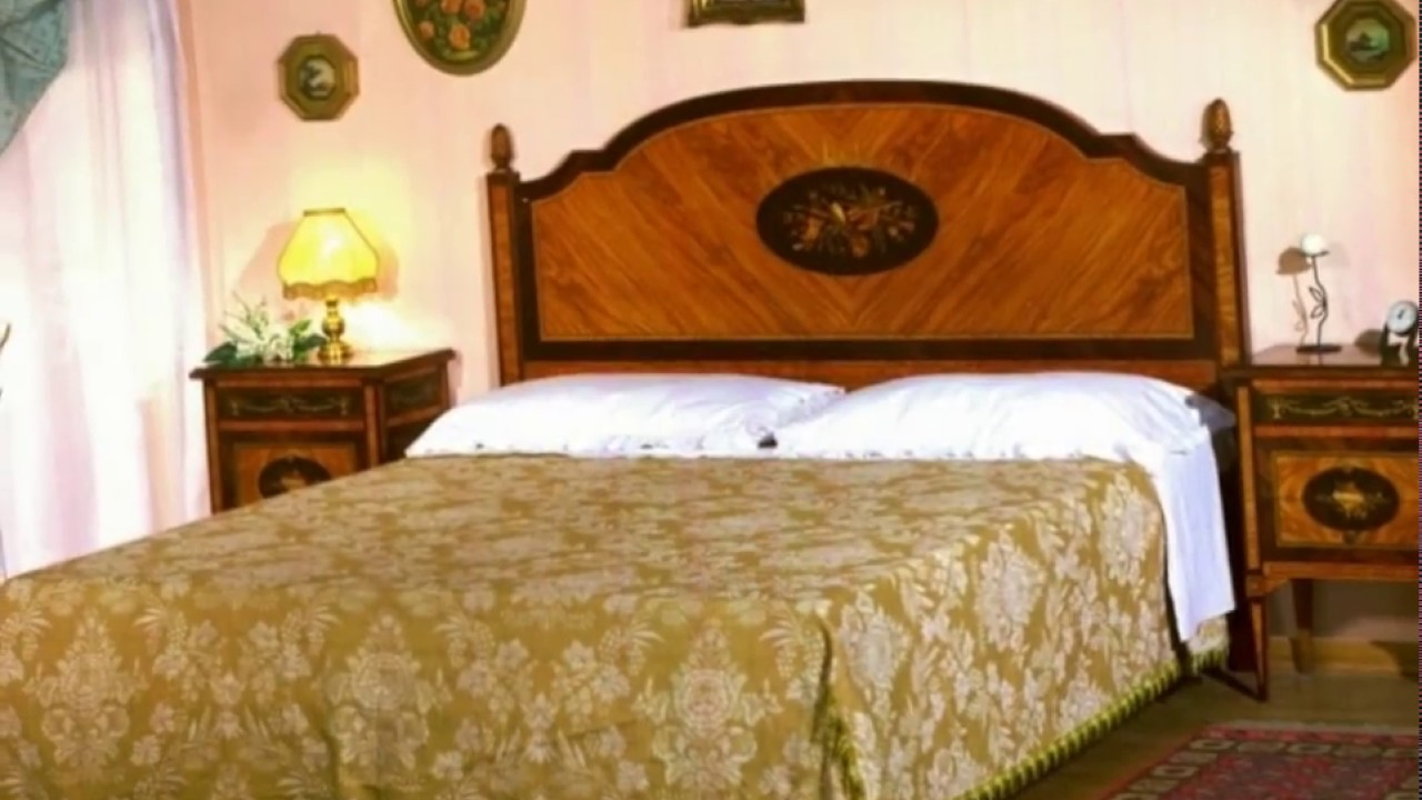 Aziende mobili di lusso camere da letto in stile a milano for Aziende produttrici di mobili