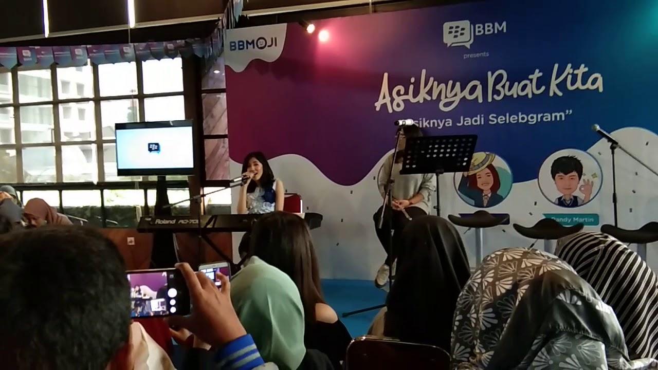 Ify Alyssa - Gitar Live on #AsiknyaBuatKitaBGR ( @ifyalyssa )