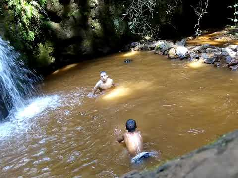 Na cachoeira de ibema