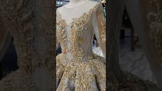 La De Paris Gown Shop accepted wedding dress  Order from all over the world