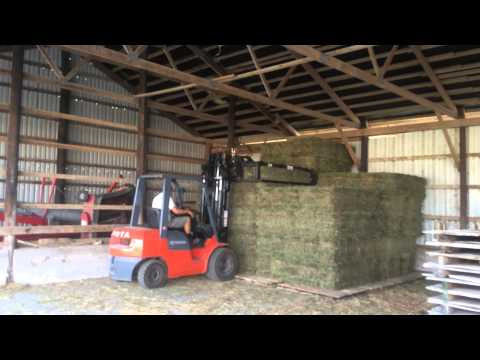 Stacking Hay the easy way