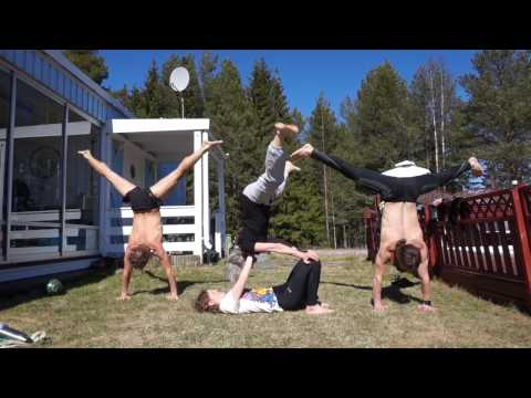 Our mom is our biggest inspiration | Music & acrobatics with the family