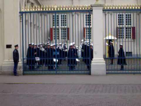Marinierskapel en Tamboers & Pijpers Korps Mariniers Geloofsbrieven Paleis Noordeinde 10-03-2004