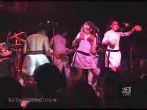 El Vez Live in Toronto 2001-04