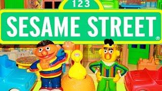 Sesame Street Dollhouse Playset Play House Vintage Ernie Big Bird Cookie Monster Bert Fun Toys