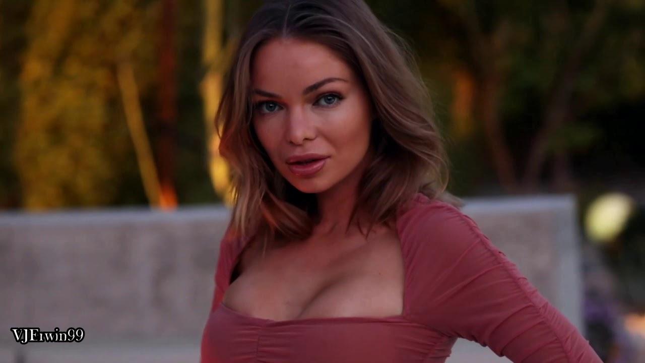 Anna Casey sexy swimwear model beautiful hot bikini babe
