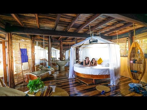 TREEHOUSE ROOM TOUR!
