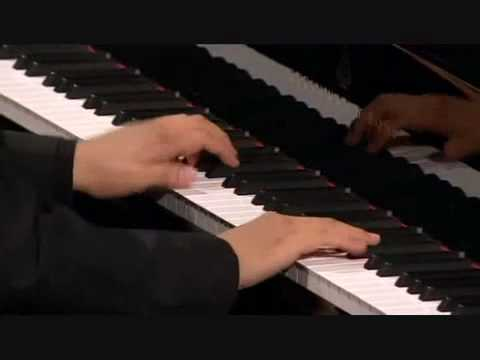 Lang Lang plays Mozart Sonata in B flat Major, K.333, 3rd Movement.