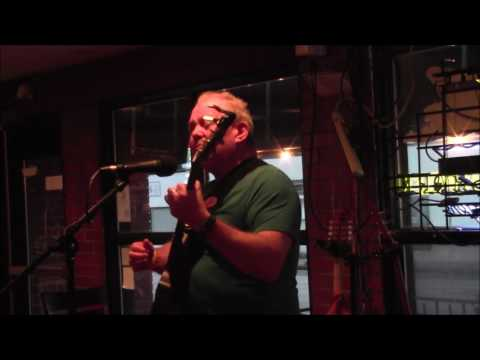 Bud Summers Live at The Rendezvous Cafe St Louis- She Sings Karaoke