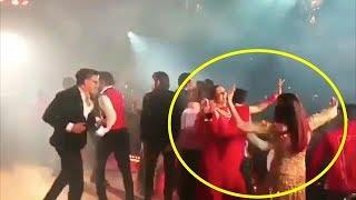 Baixar Aishwarya Rai Bachchan And Deepika Padukone's Crazy Dance At Isha Ambani's Sangeet Ceremony