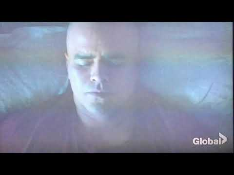 Christopher Jackson singing in Bull