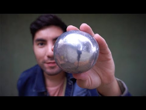 Puliendo bola de PAPEL DE ALUMINIO