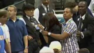 Carmelo Anthonys Girlfriend Gets Into It with Mavs fans and is Escorted Out