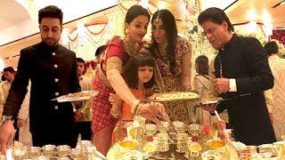 Bollywood Celebs Serving Food At Isha Ambani's WEDDING- SRK,Aishwrya,Abhishekh,Amitabh,Aamir