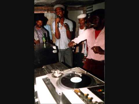 Barrington Levy-Under Mi Sensi HQ