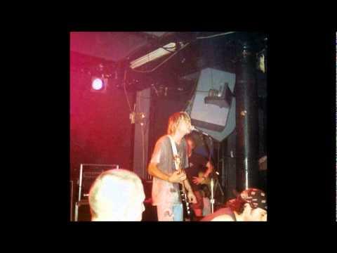 nirvana---floyd-the-barber-(live-in-kaos-fm---05/06/1987)