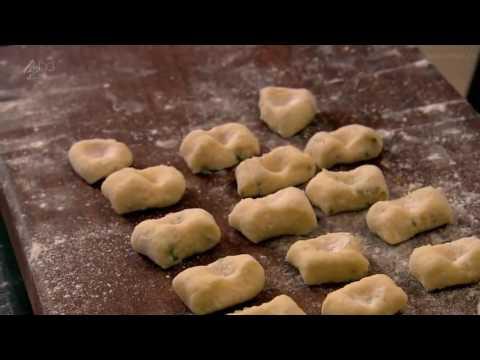 Томатные ньокки с базиликом и