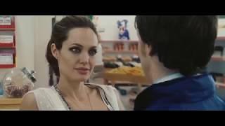 Анджелина Джоли в свои 33. Особо опасен (2008 Wanted)