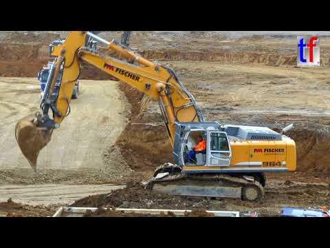 LIEBHERR R 964C Excavator / Bagger beim Buddeln, Germany, 2017. #1