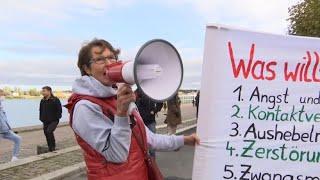Schlecht besucht: Nur wenige Teilnehmer bei Querdenker-Demonstration in Mainz