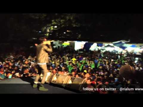Steven & The Coconut Treez - Lagu Santai - Official Cover Video RIALUM