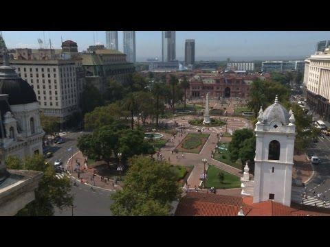 Argentines divided on Obama visit