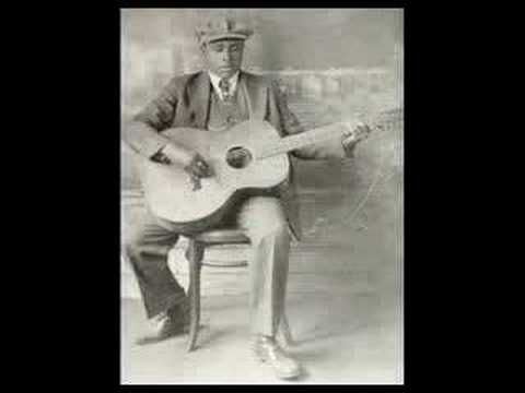 Blind Willie Johnson - Dark was the night...