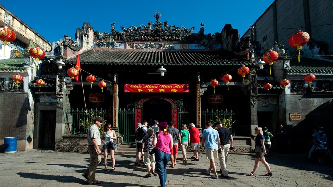 Image result for Thăm đền Thiên Hậu HCM