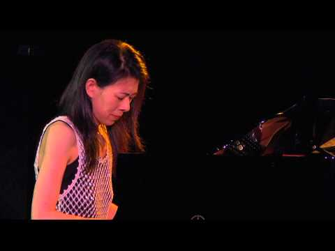Jenny Lin Performs Mompou Secreto
