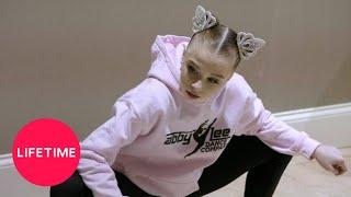Baixar Dance Moms: Savannah's First Solo Causes Drama (Season 8, Episode 2) | Lifetime